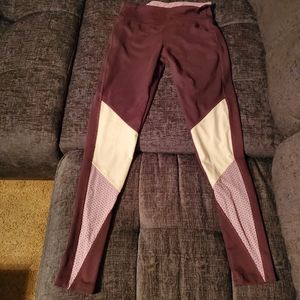 Yoga Leggings by Balance Collection size Small